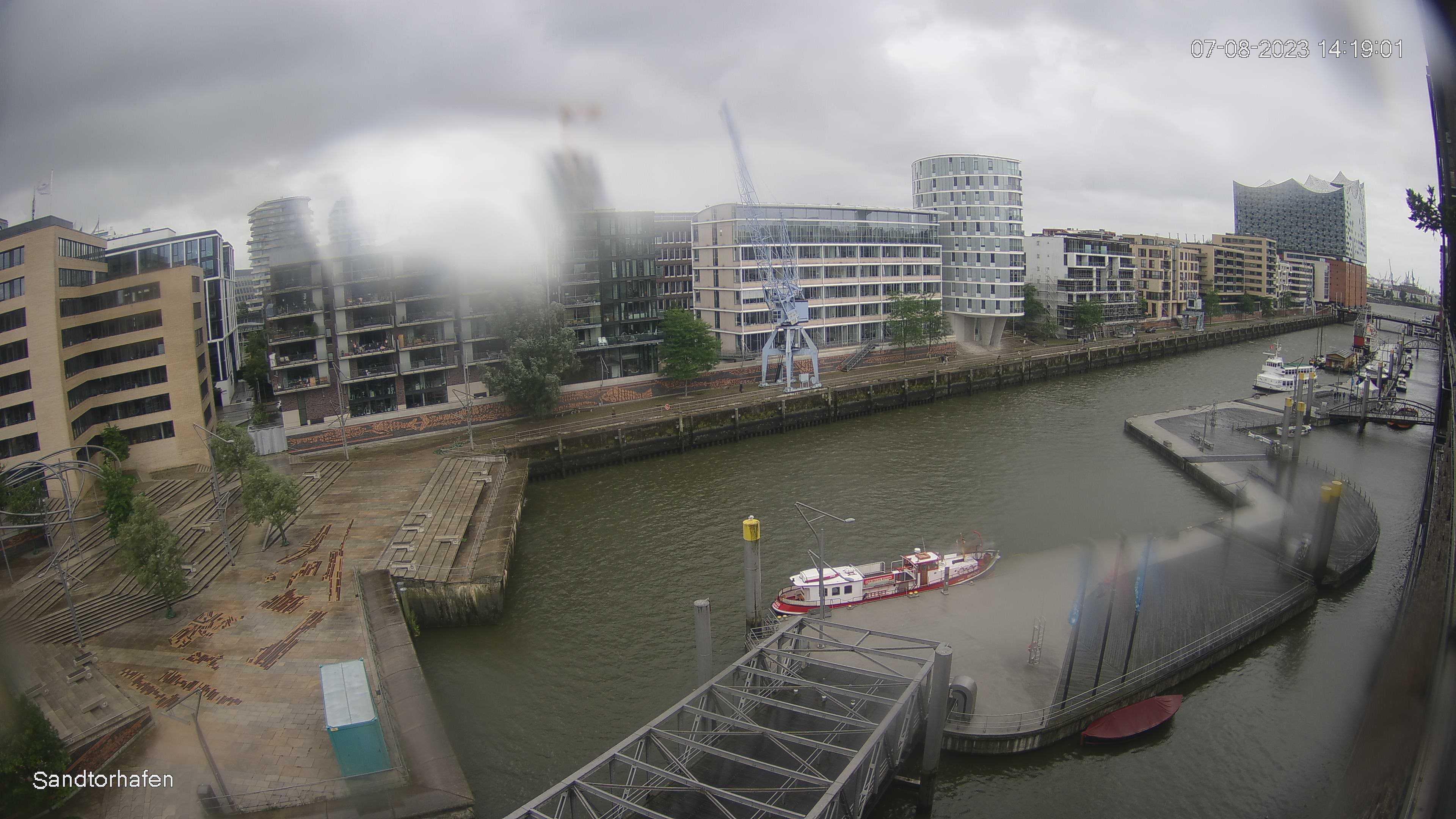 Webcam image of Sandtorhafen mit Elbphilharmonie